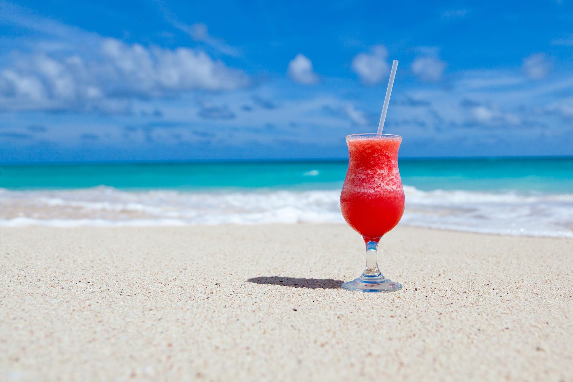 砂浜とドリンク